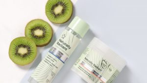 Naturally Radiant by Superdrug Toner and Cleansing Pads